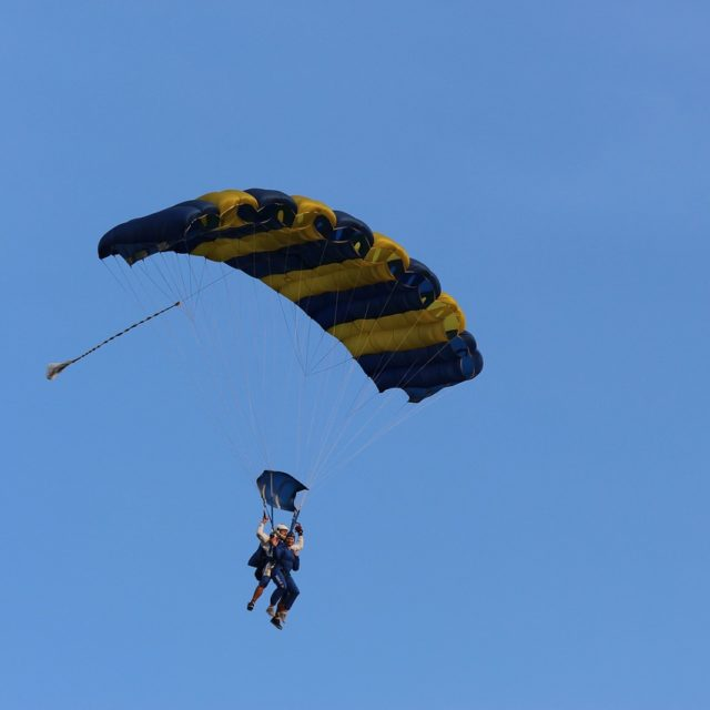 Niki's charity tandem skydive for headway